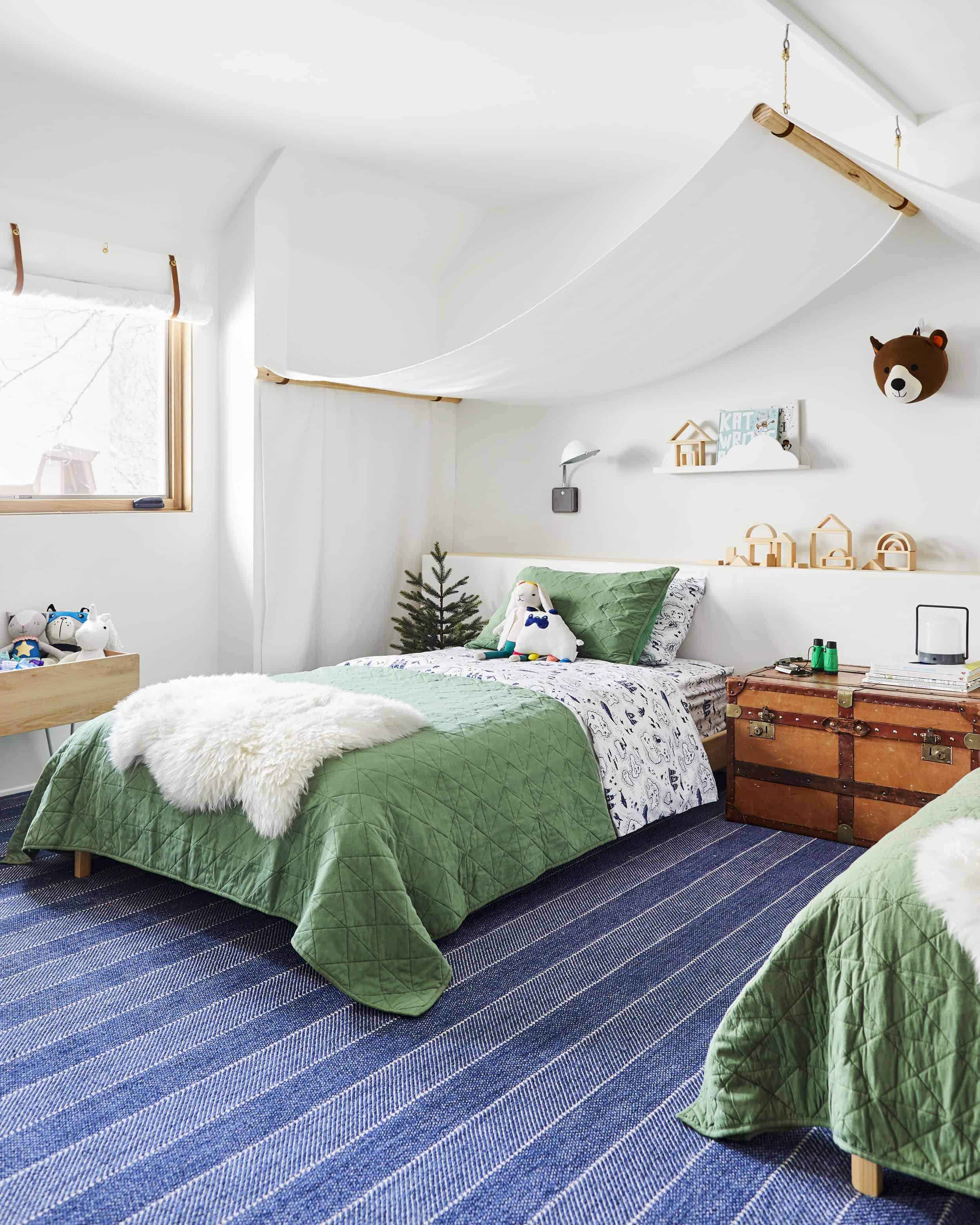 Emily Henderson Mountain Pillowfort Kids Room8 01
