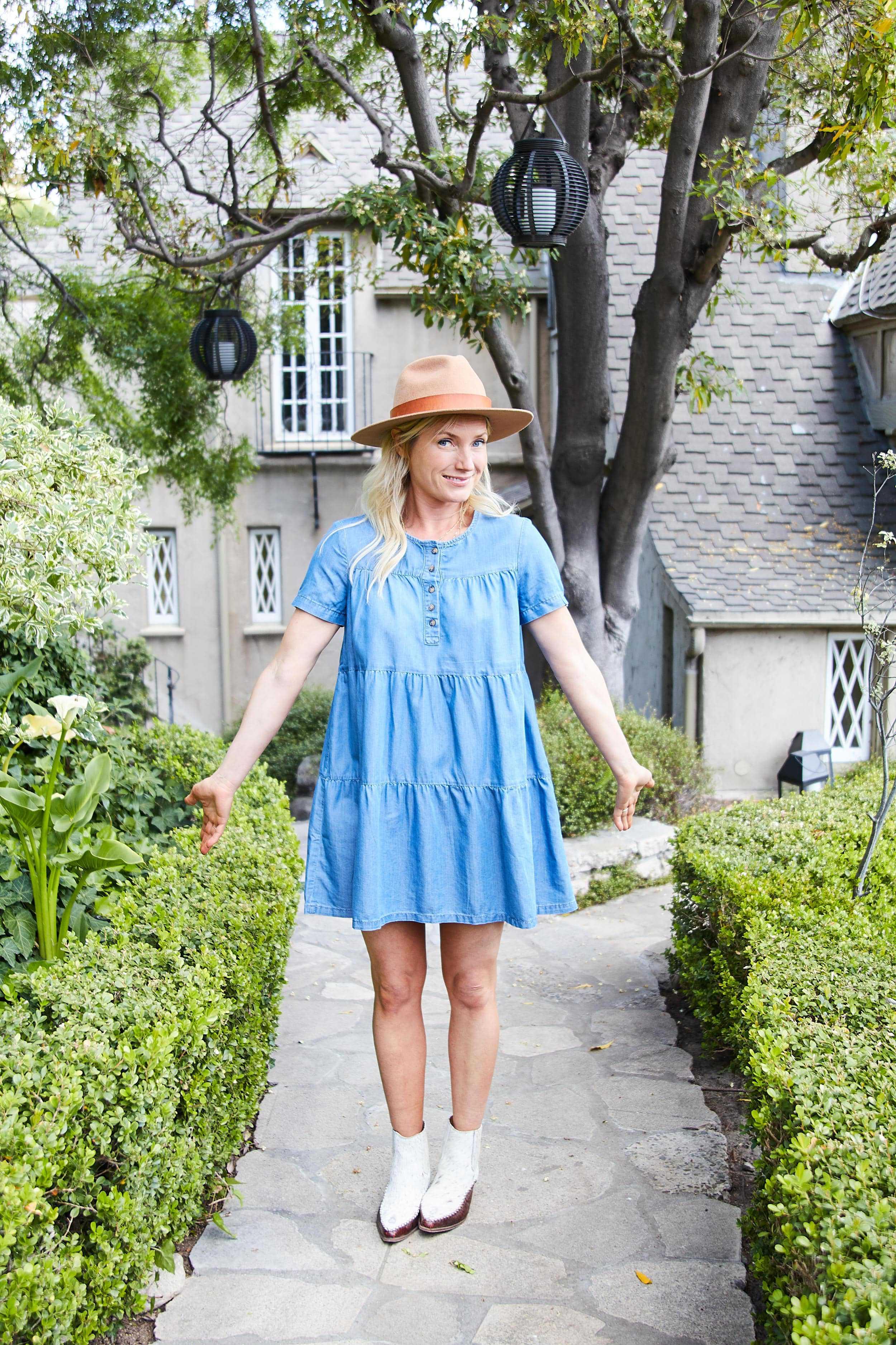 Emily Henderson short spring dresses5