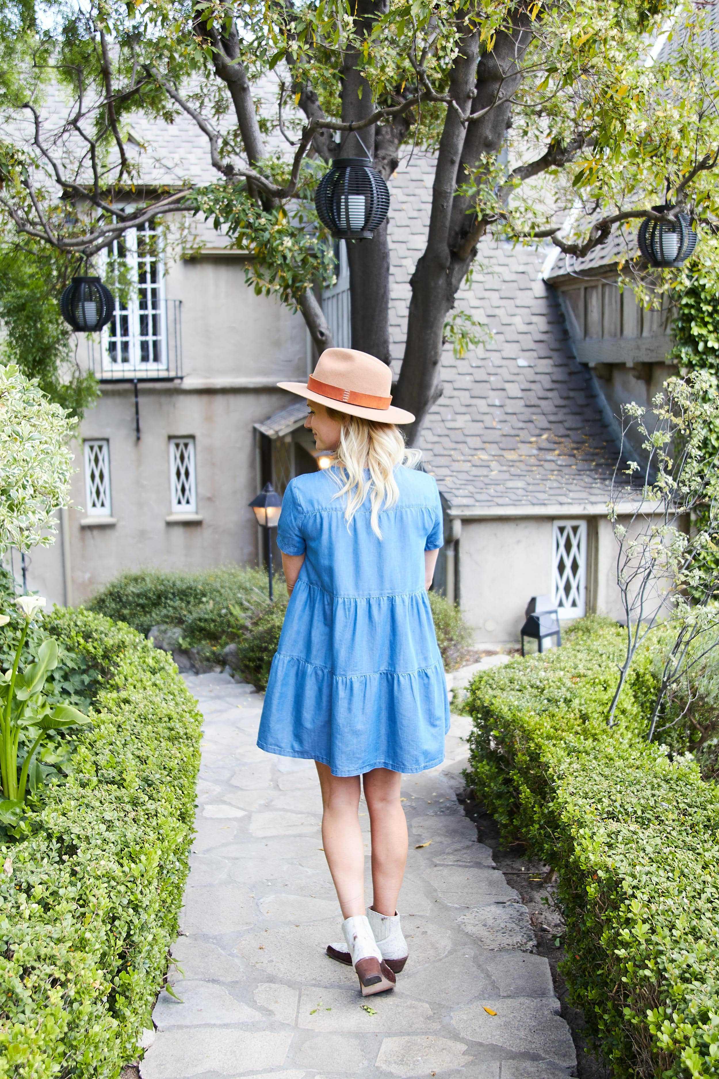 Emily Henderson short spring dresses4
