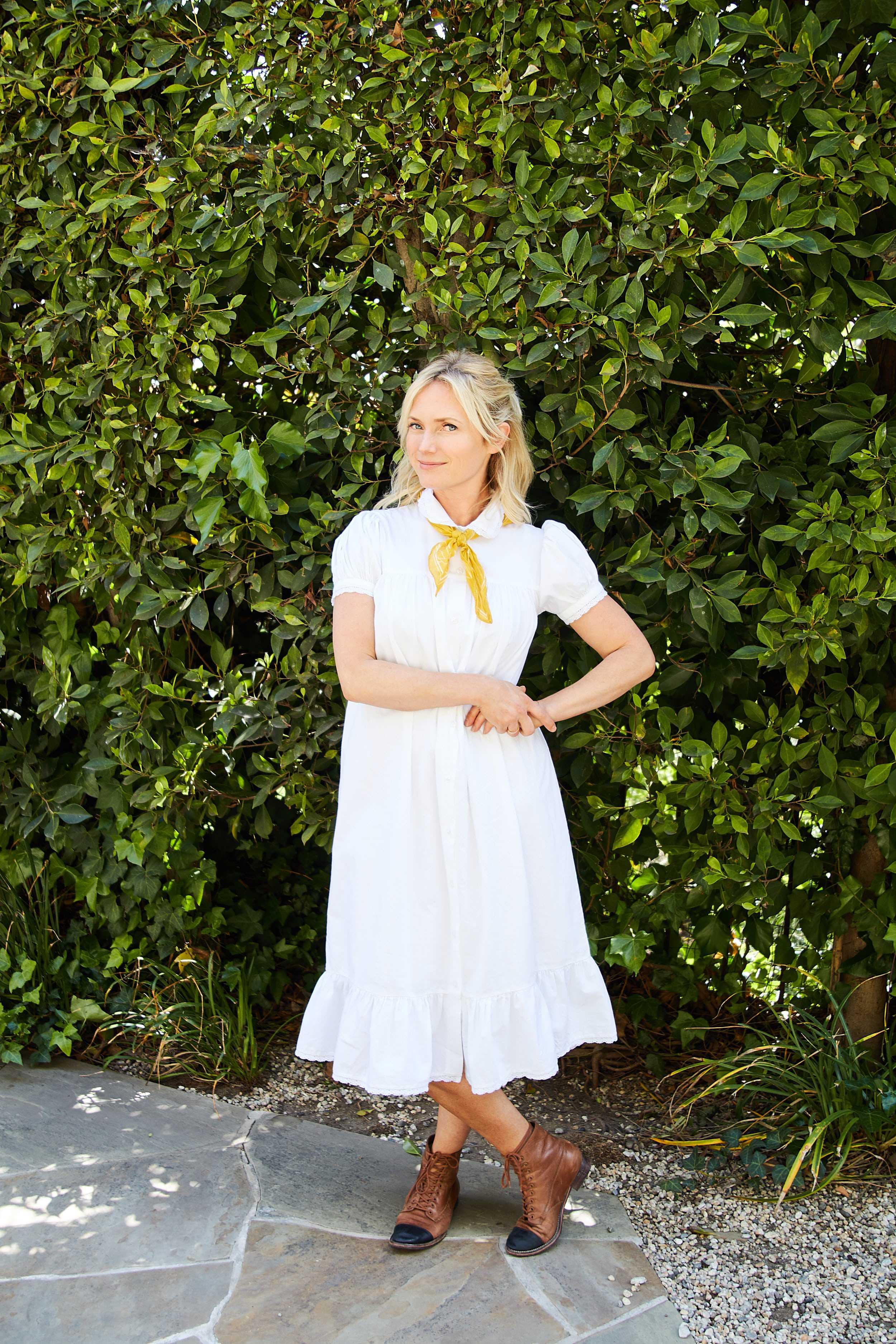 Emily Henderson short spring dresses3