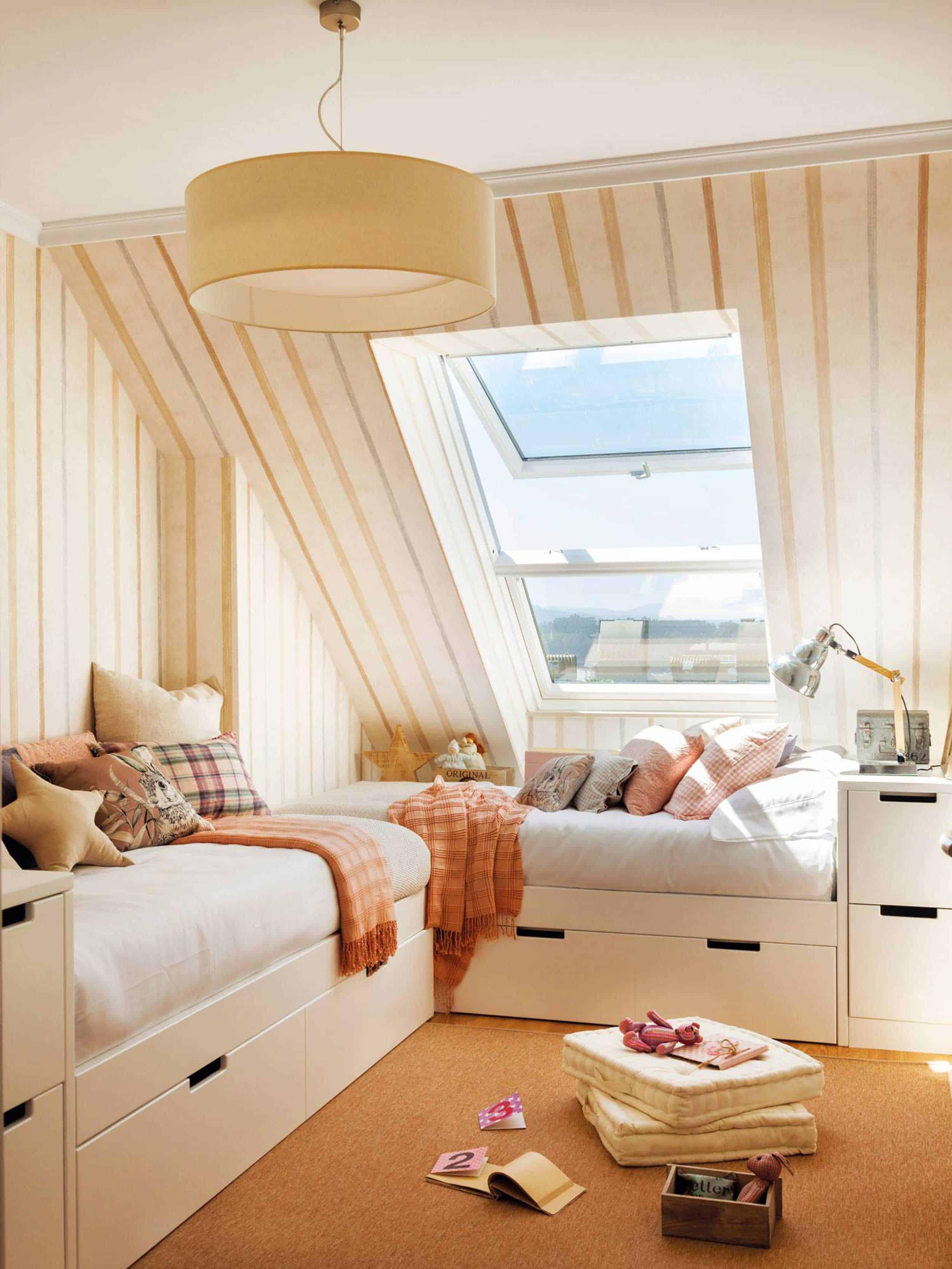 Dormitorio Juvenil Con Cama En L Y Techo Abuhardillado 00466702 2200b818 1500x2000