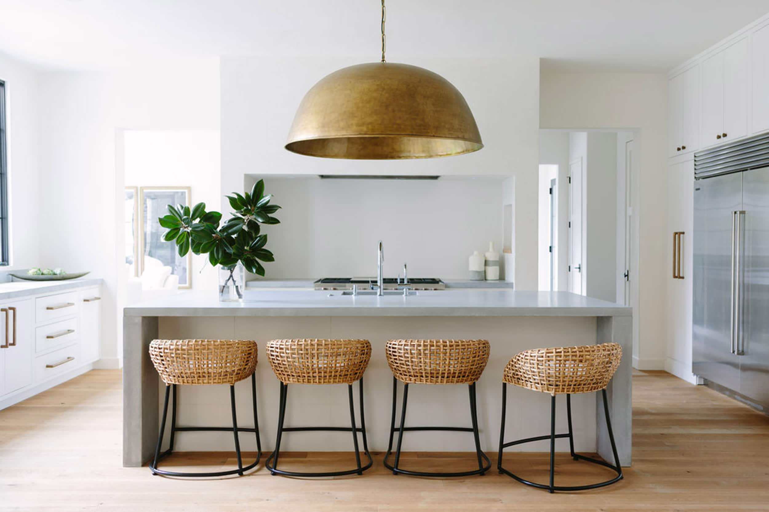 Bye Bye Chandelier Pendants Are The New It Light 18 Of Our Favorites