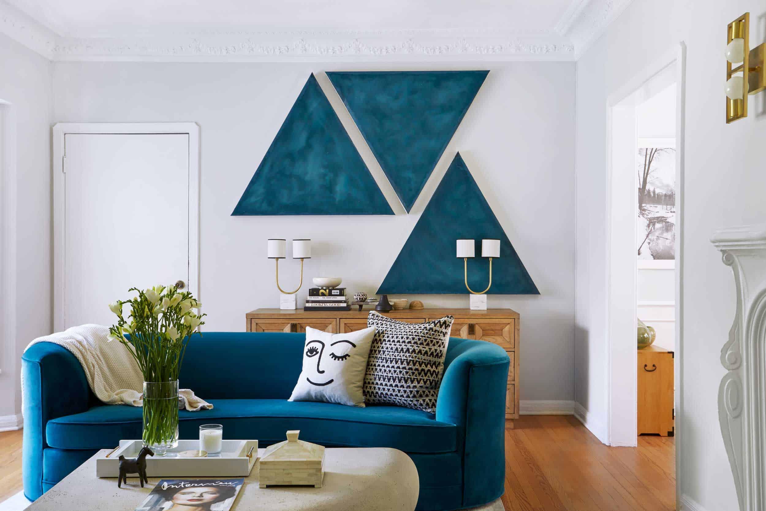 Living Room 1 007