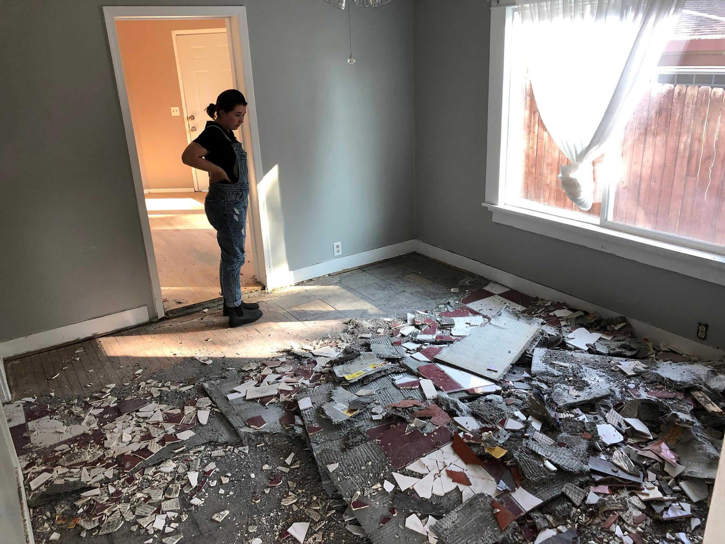Sara Buys A House 11