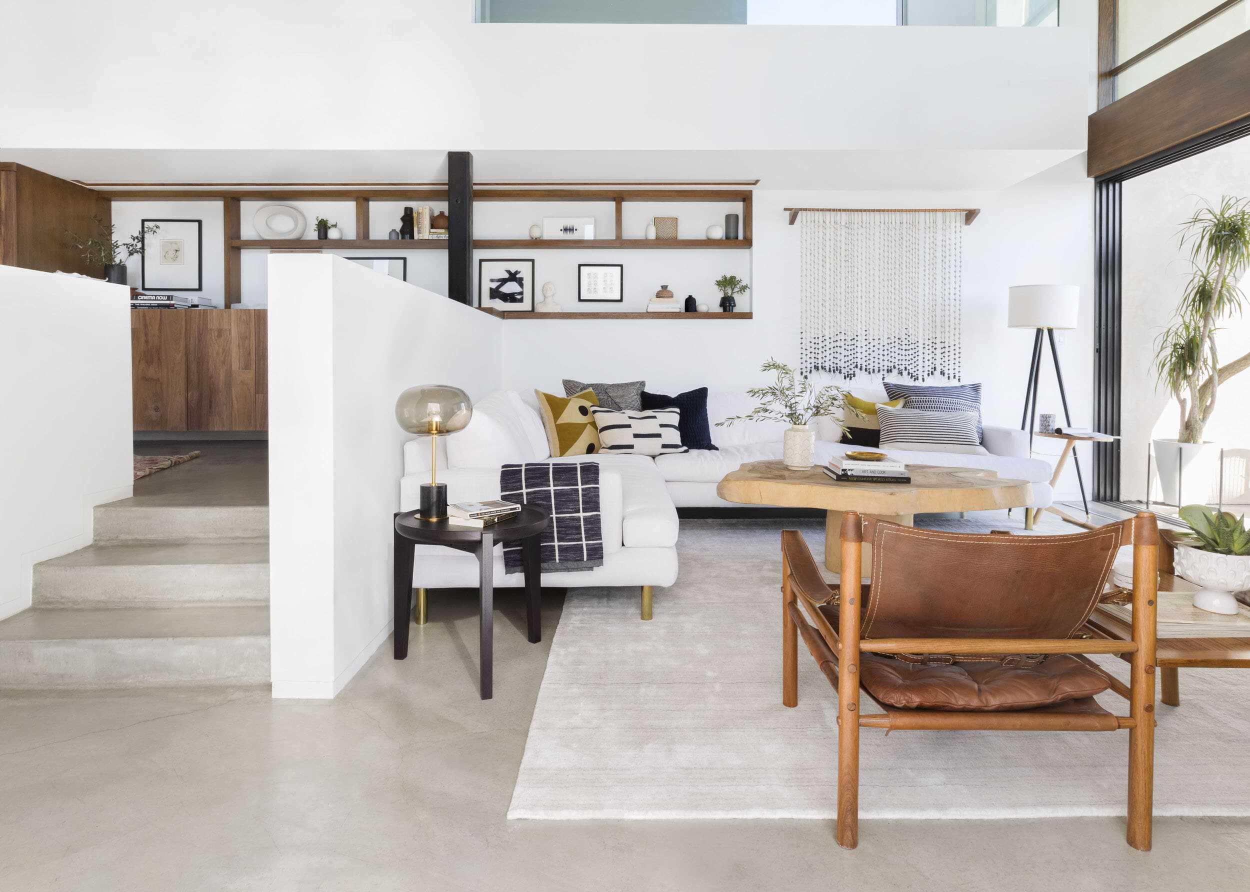 Emily Henderson affordable living room lighting_23