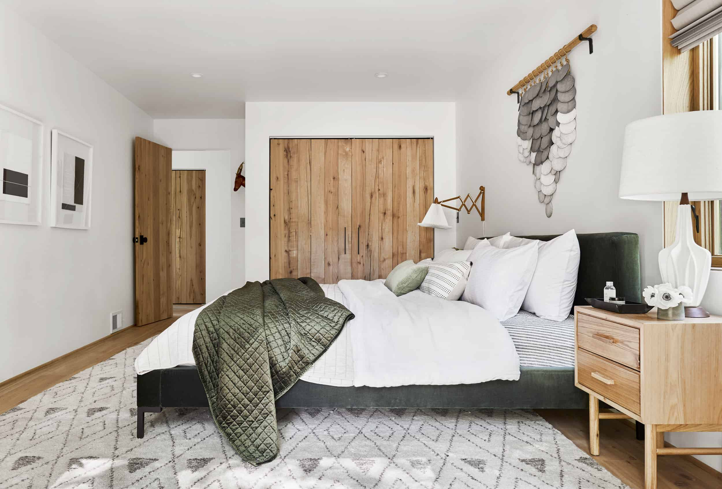 Emily Henderson Moutain House Downstairs Guest Room Lores16