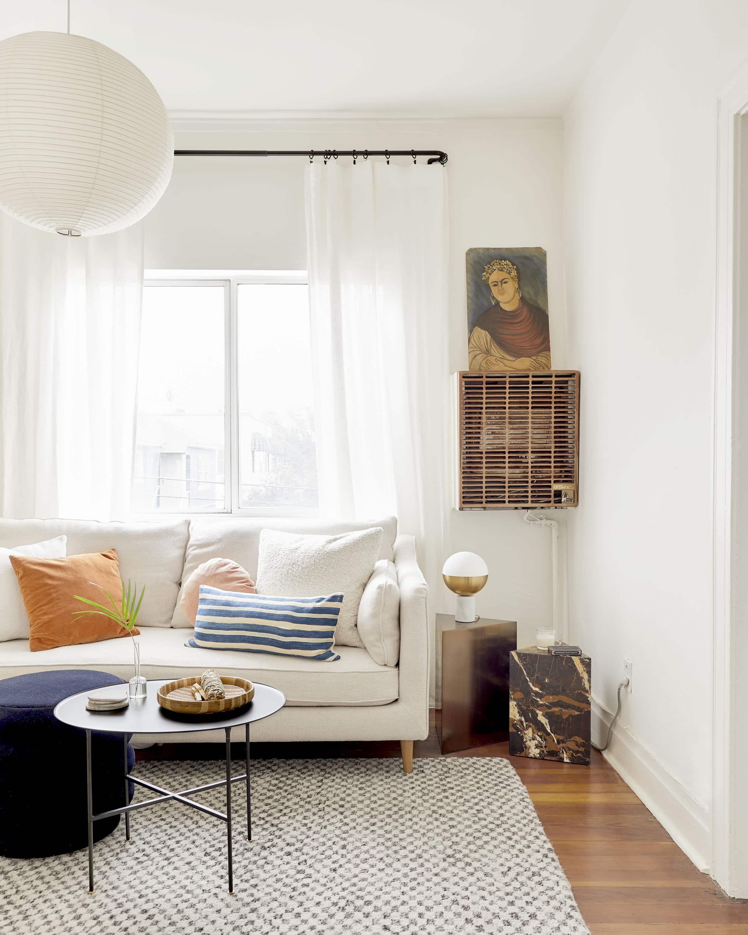 Emily Henderson affordable living room lighting_19