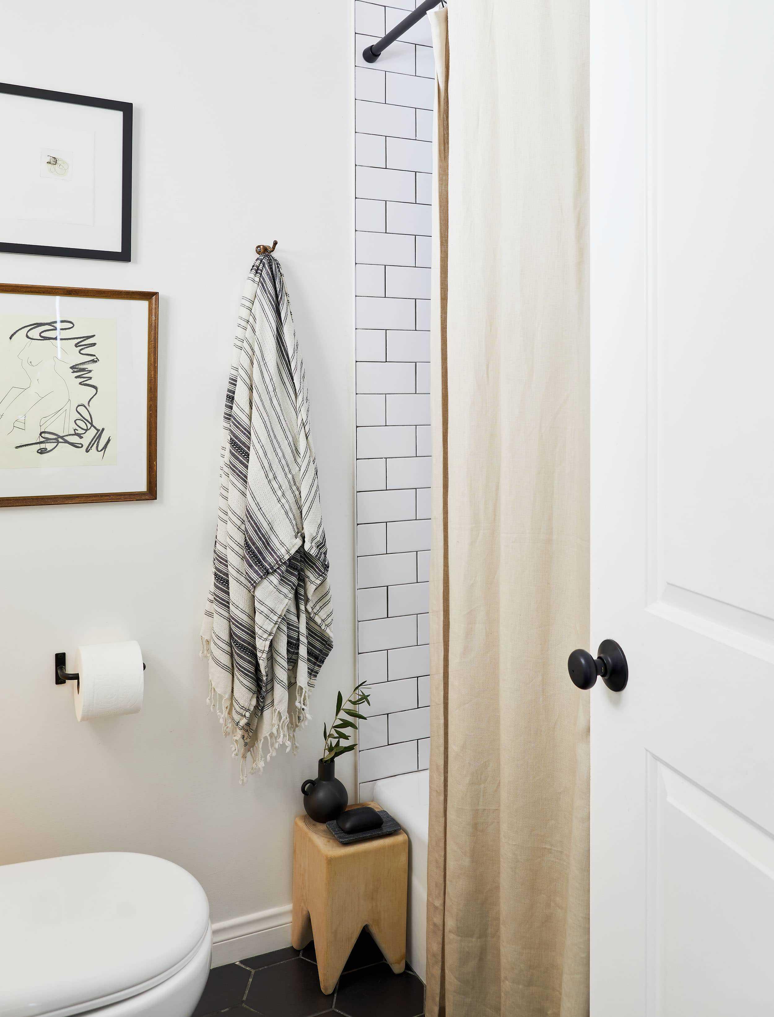 Bowser Bathroom 09