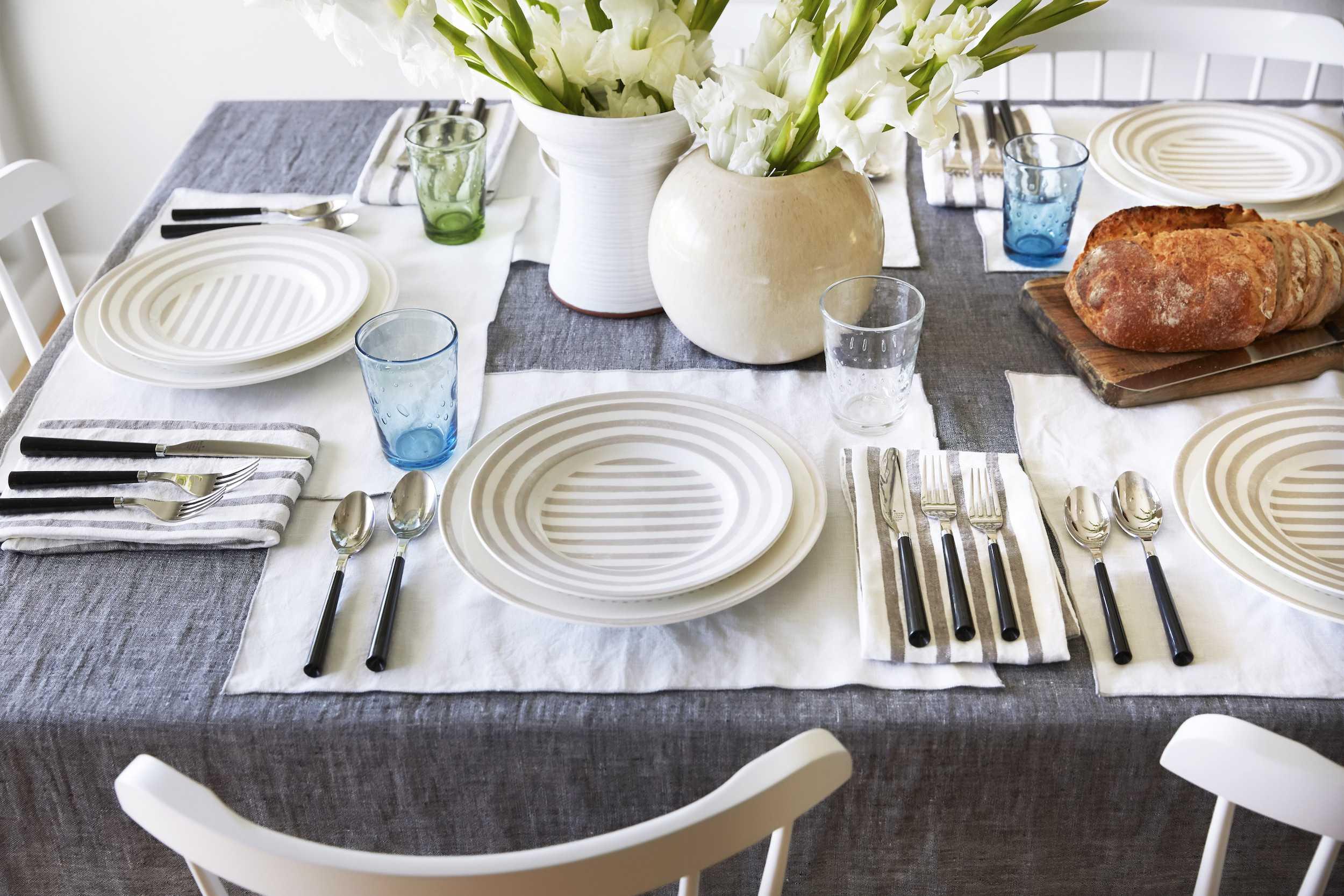 Dining Room Details 019