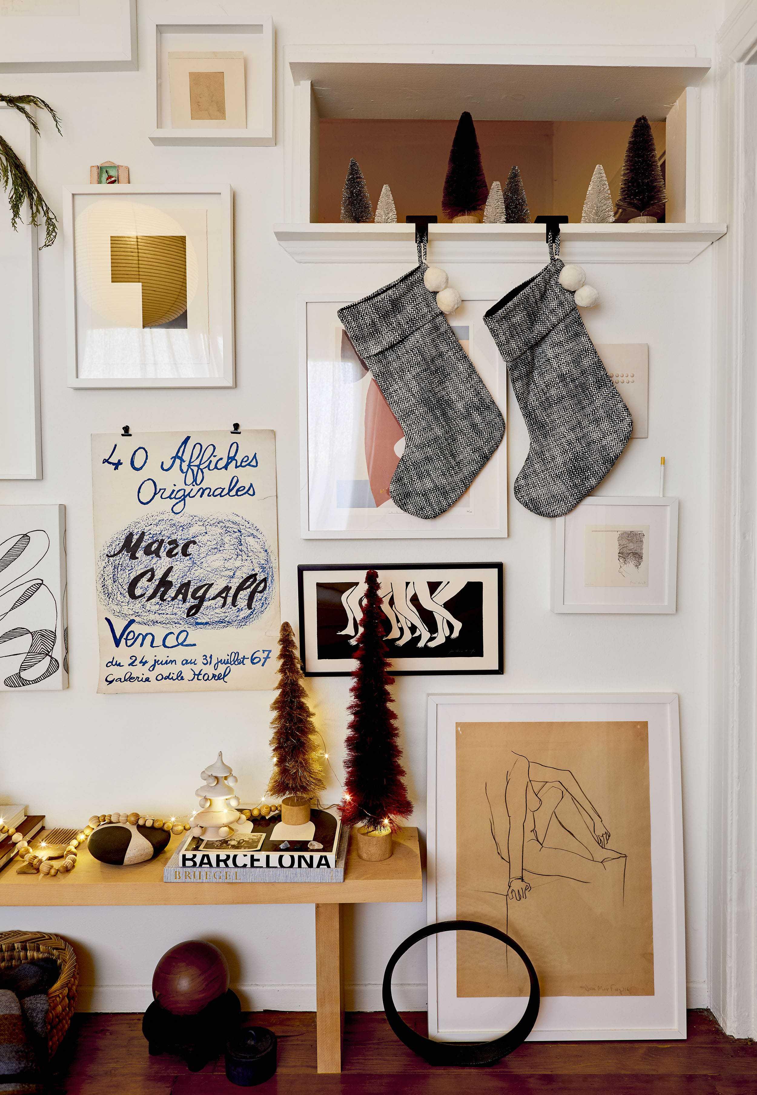 Emily Henderson minimal christmas decorating ideas10