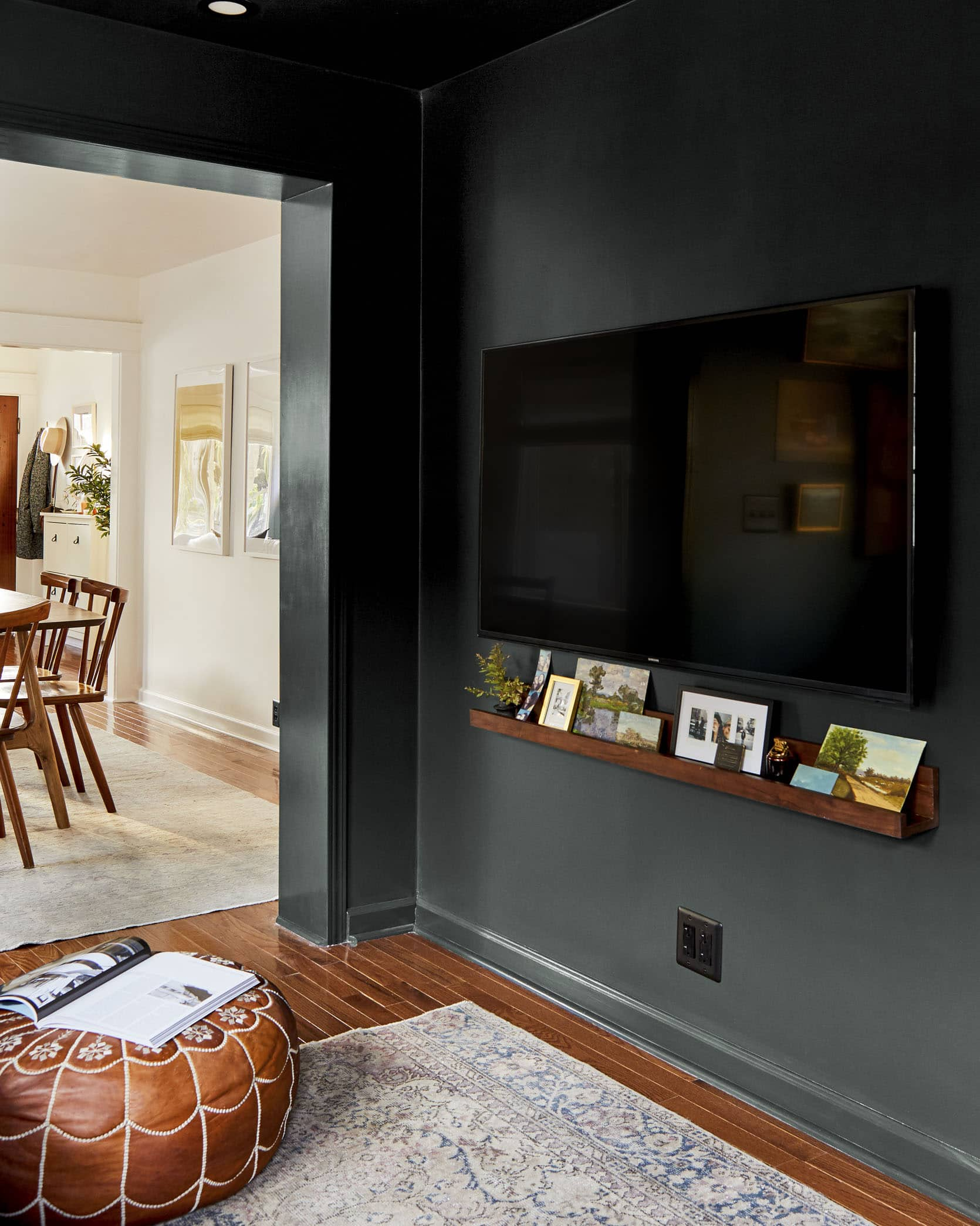 How To Make Your Smallest Room The Coziest Room In Your Home Sara S Tv Room Reveal Emily Henderson
