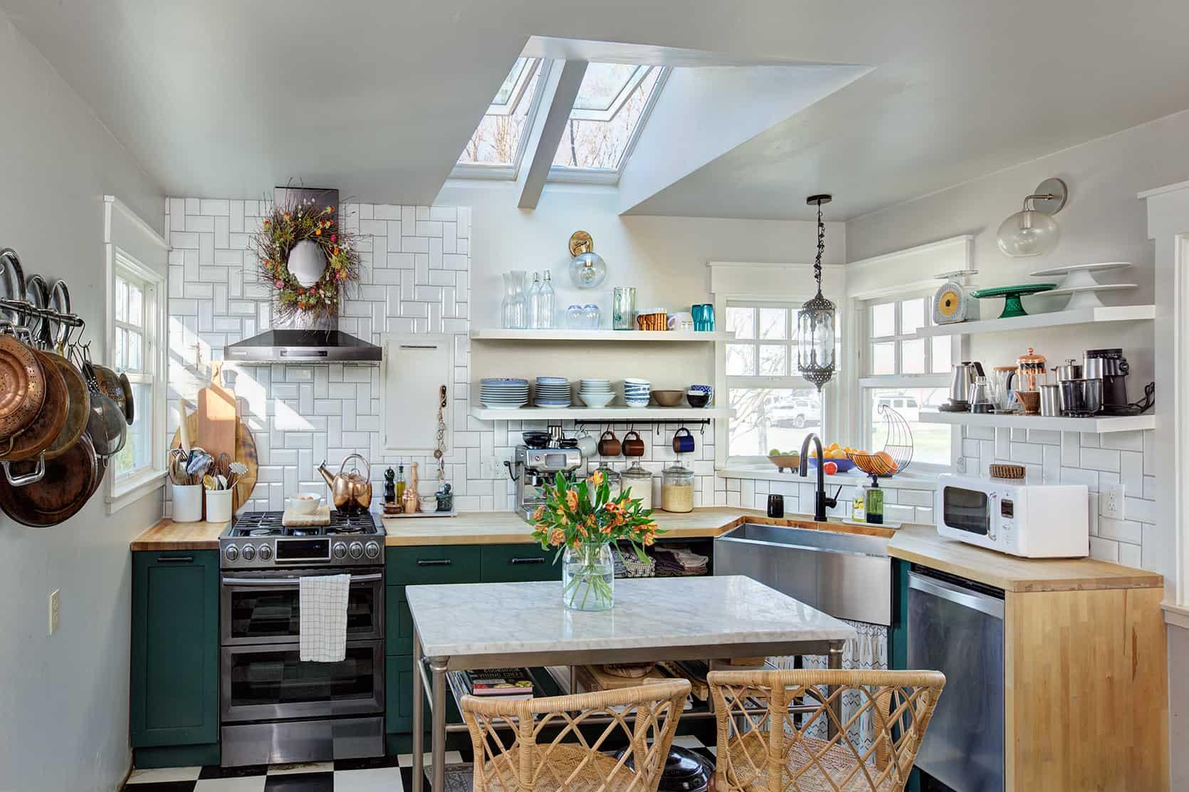 Influencer shavonda gardner 3096 Skylights vss c04 Kitchen After
