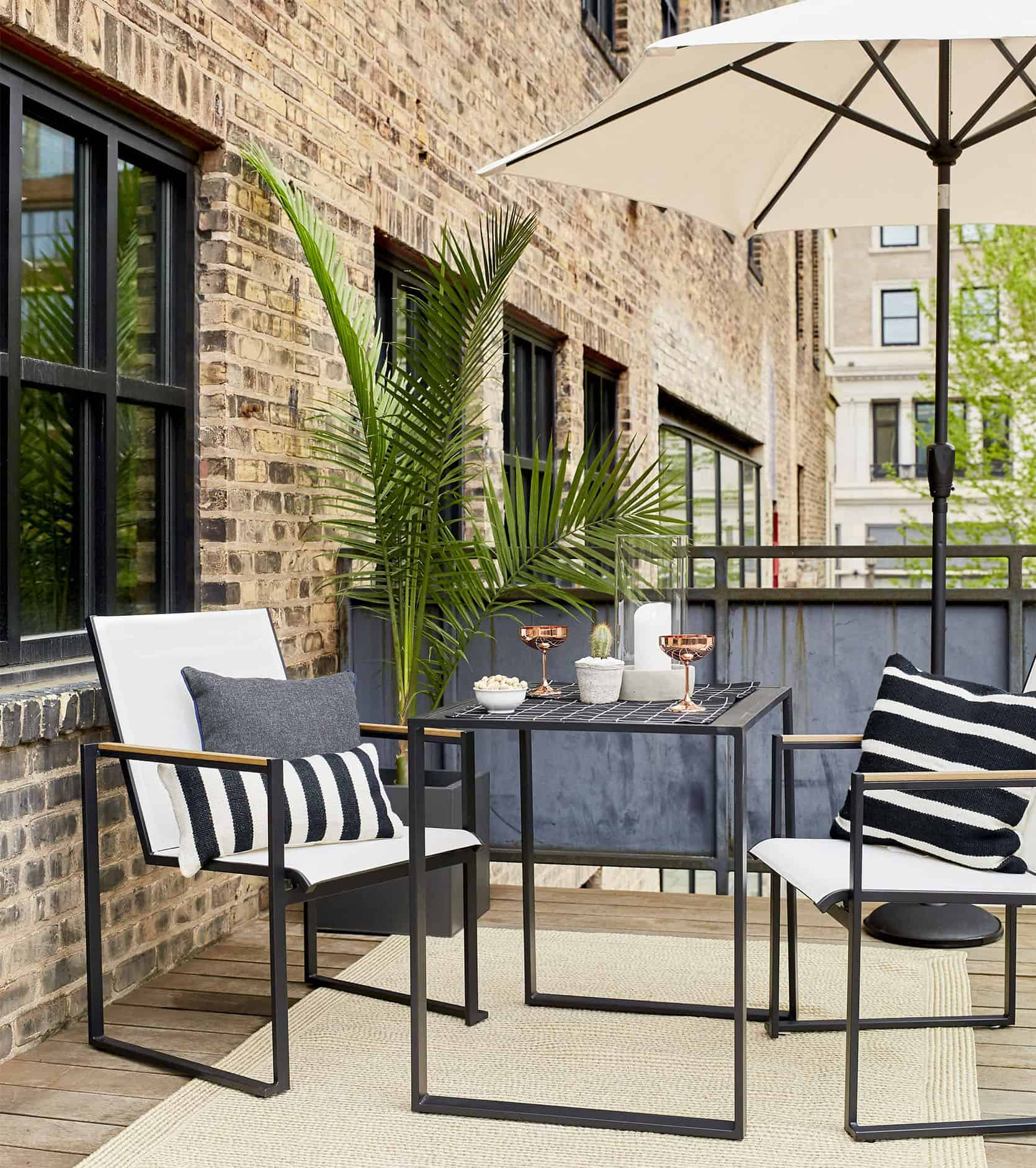 Emily Henderson Outdoor Dining 1