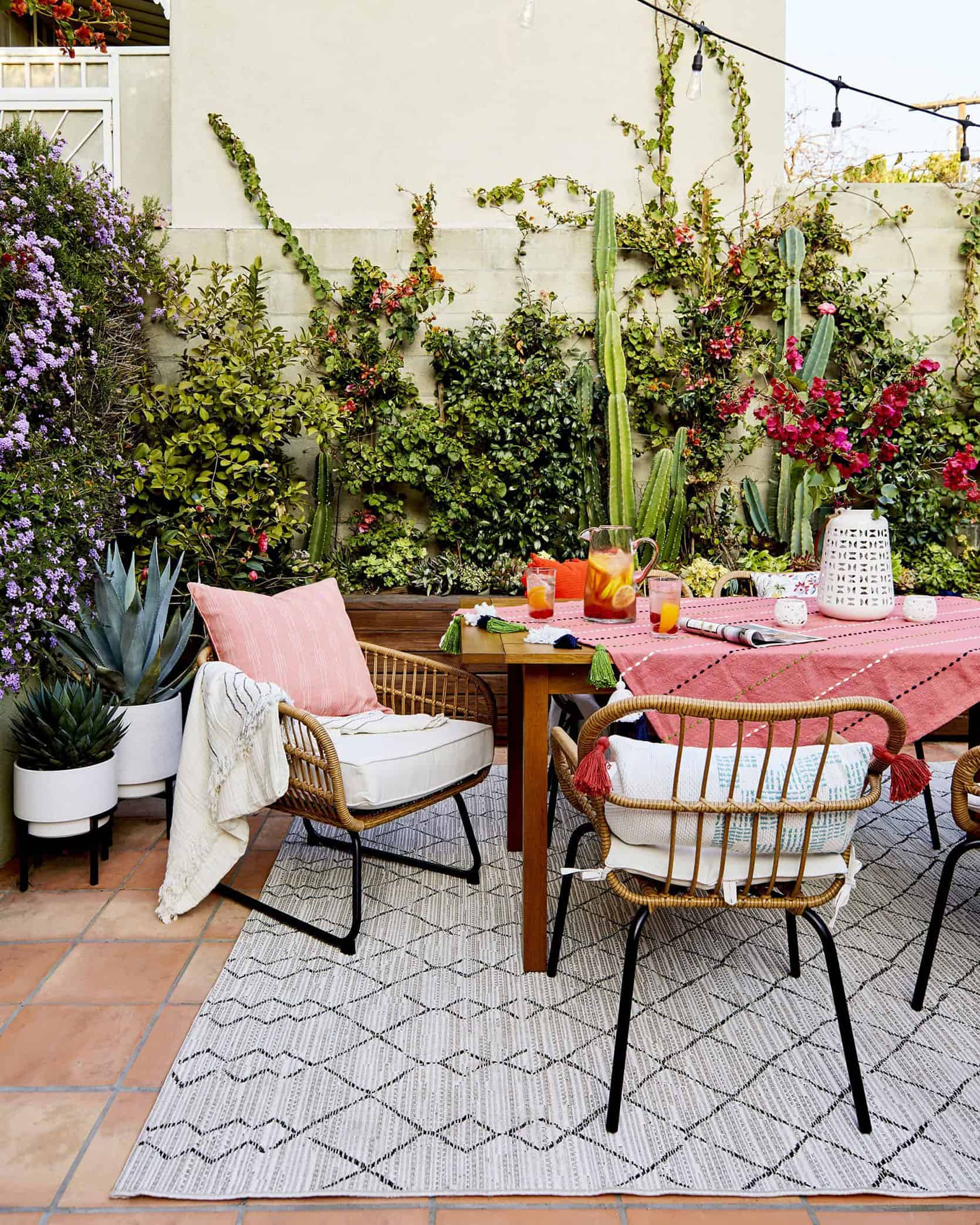 Emily Henderson Outdoor Dining 2