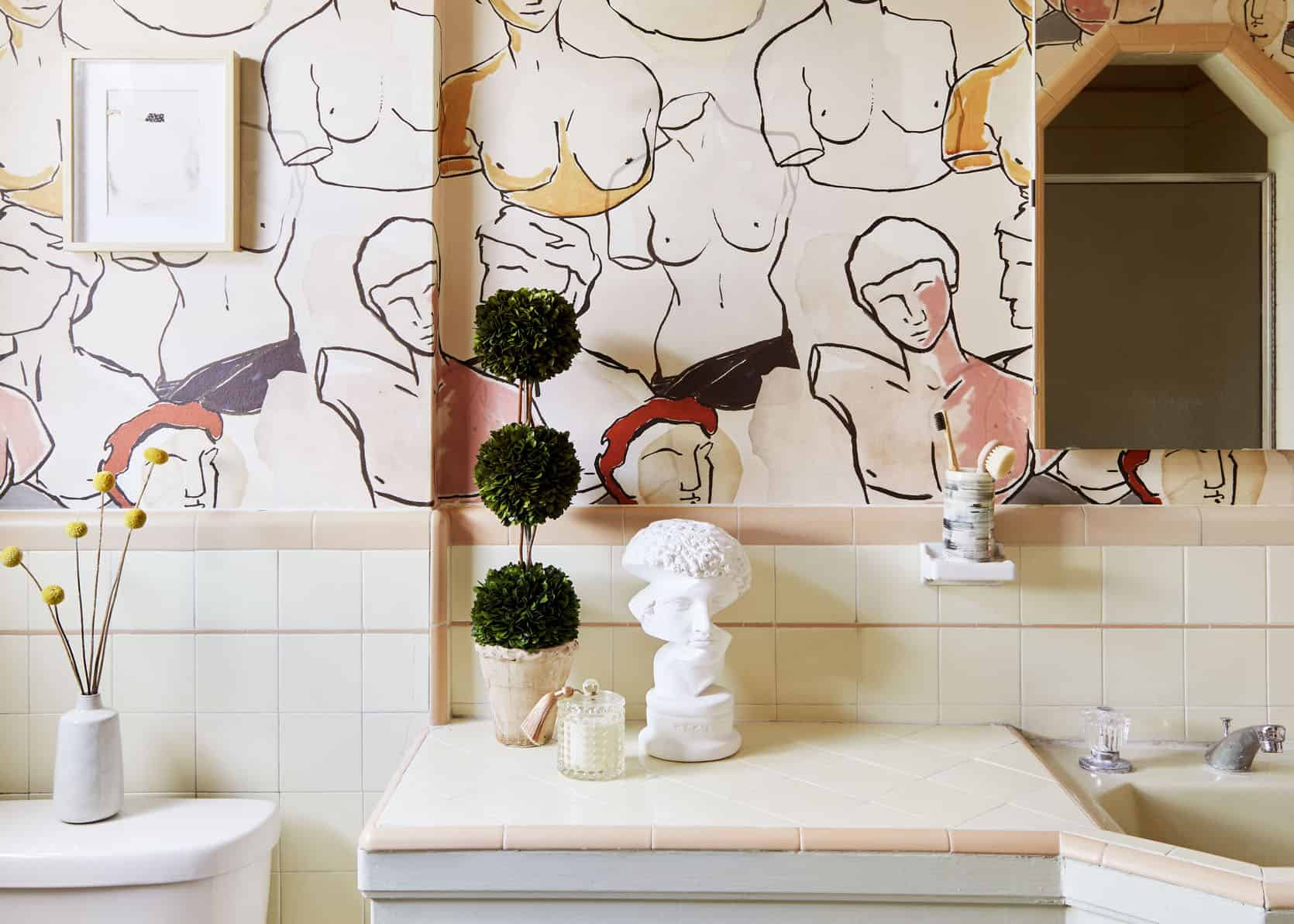 Caitlin's First MOTO Reveal – A Vintage Bathroom Gets A Modern Update