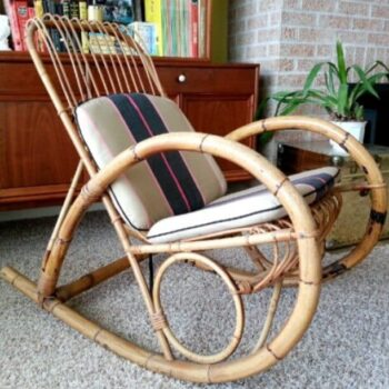 Oh, I've seen wicker rockers but none with such pretty lines. By @suZannebrandsen