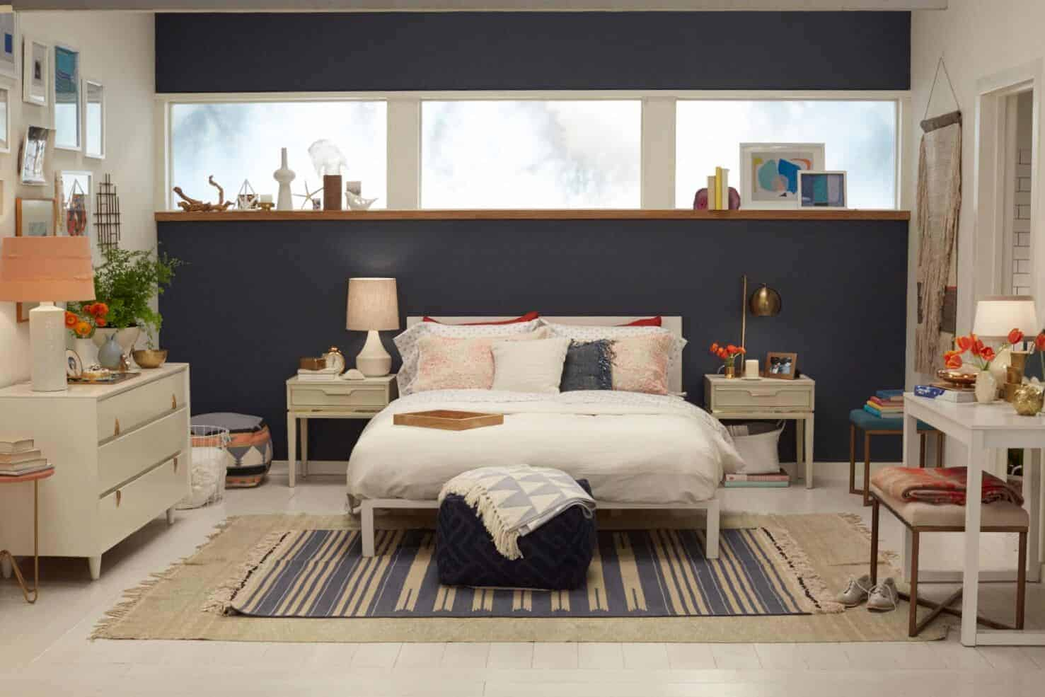 Target-Accent-Wall_Emily-Henderson_Bedroom_Blue_Bedding_Midcentury-Modern-1