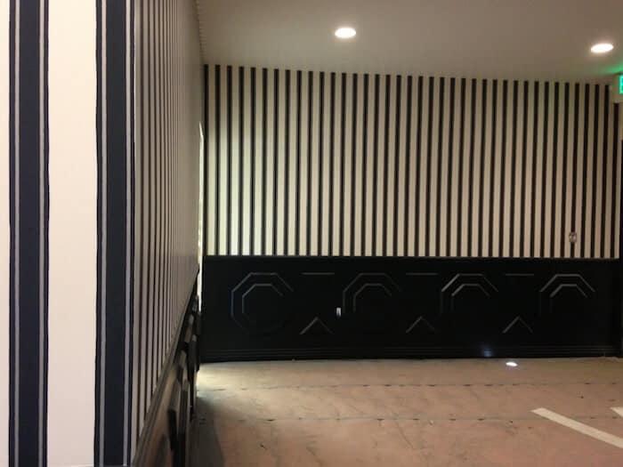 block-stripe-wallpaper