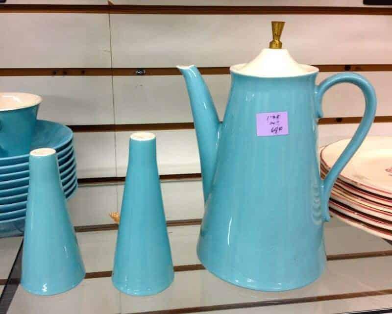 tea-set-blue